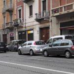 Contro sosta selvaggia a Bologna nasce il marciapiede fai-da-te
